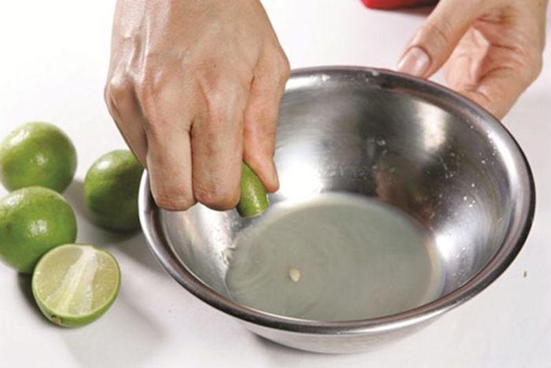 Sát khuẩn bằng dung dịch nước cốt chanh