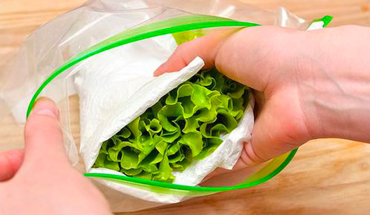 Bảo quản rau tươi cả tuần chỉ với nguyên liệu mà nhà nào cũng có
