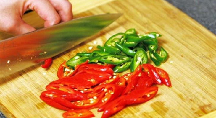 Bước 1 Sơ chế nguyên liệu Cóc ngâm chua ngọt