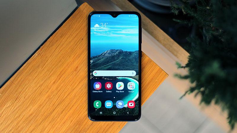 Thêm 2 smartphone giá rẻ Samsung được lên đời Android 10 cùng giao diện One UI 2.0, gọi tên Galaxy A10 và Galaxy A20e