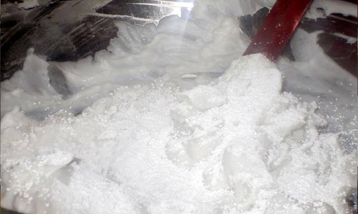 Bước 3 Khuấy bột Sợi bánh canh bột sắn
