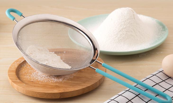 Bước 1 Xay bột Sợi bánh canh bột sắn