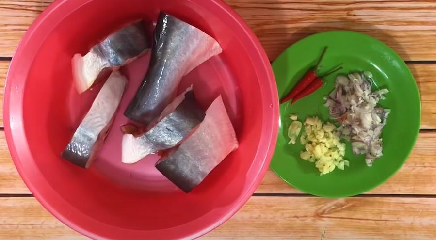 nguyên liệu cá hú kho tộ