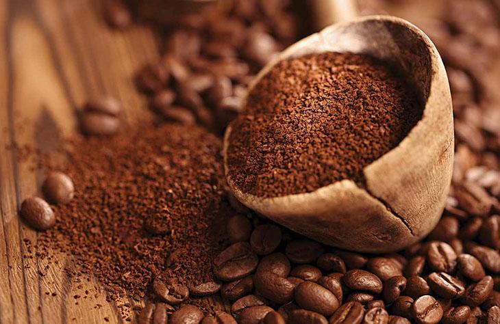 Bã cà phê giảm tình trạng sần da cam