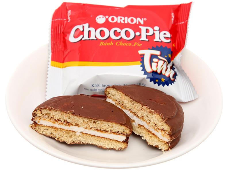 Ăn bánh Chocopie