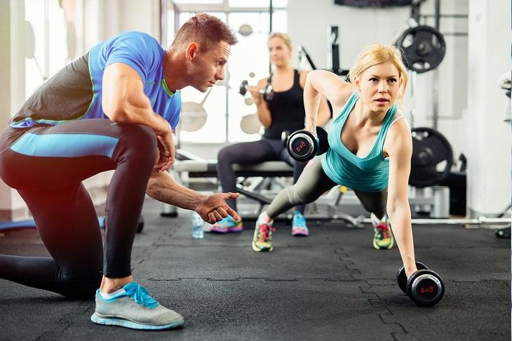 Cung cấp bao nhiêu calories một ngày là đủ cho từng nhóm người vận động