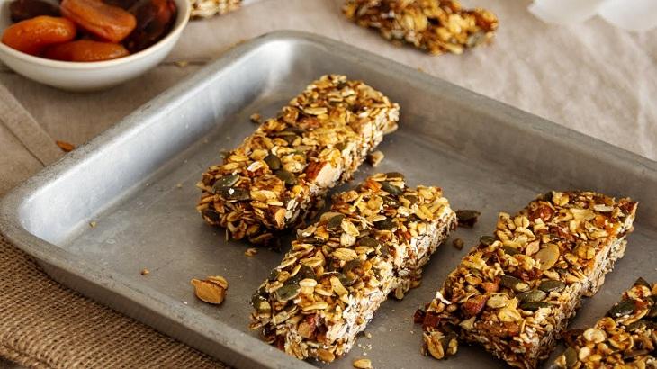 Ăn vặt granola như một món snack