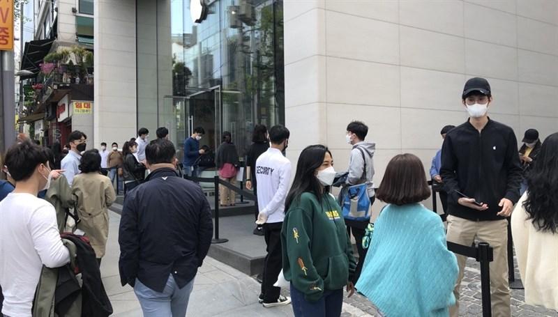 Apple Store bắt đầu mở cửa trở lại tại Hàn Quốc với các biện pháp bảo đảm an toàn, tránh lây lan dịch bệnh