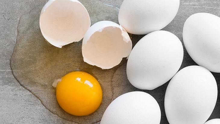 trứng thuộc Nhóm thực phẩm giàu cholesterol nên bổ sung