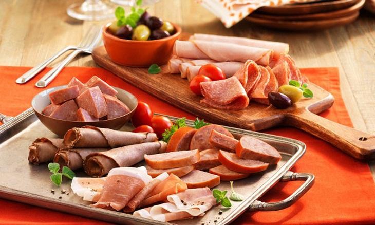 sản phẩm chế biến sẵn thuộc thức ăn nhanh thuộc thực phẩm chiên thuộc Nhóm thực phẩm giàu cholesterol cần tránh