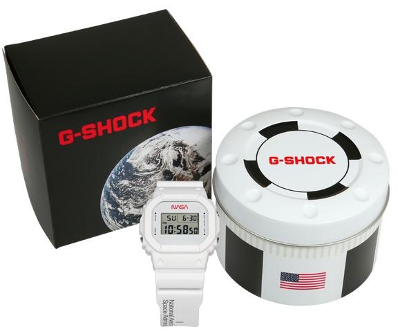 G-Shock DW5600NASA20 và các phụ kiện đi kèm
