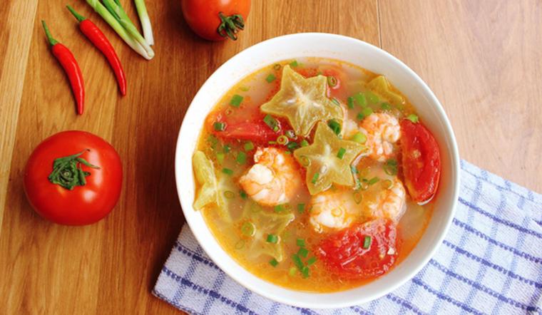 Canh tôm nấu khế chua món canh thanh mát cho ngày cuối tuần