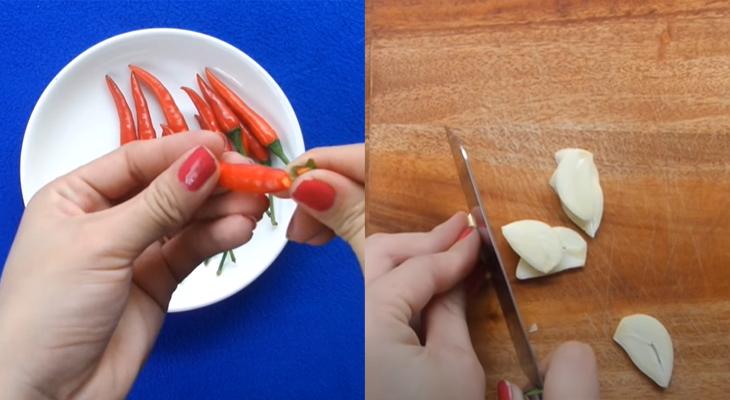 Bước 2 Sơ chế nguyên liệu Rau muống ngâm chua ngọt