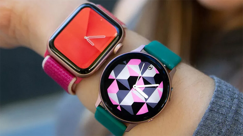 trên tay Apple Watch vs Galaxy Watch