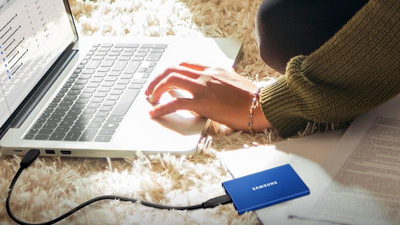 Ổ cứng SSD di động Samsung T7 chính thức được bán ra, tốc độ truyền nhanh hơn T5, giá bán rẻ hơn T7 Touch