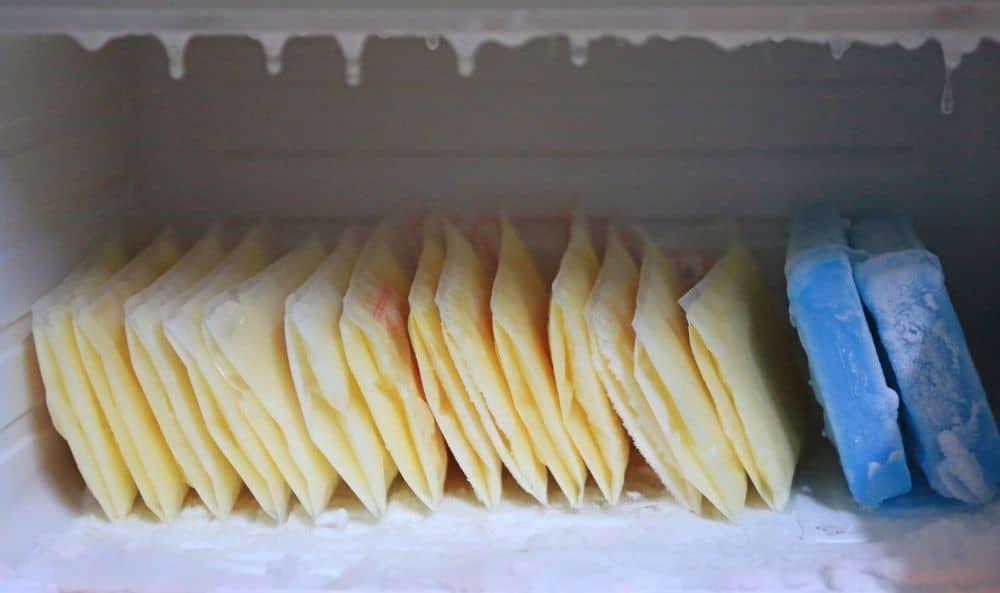 trữ sữa trong tủ đông