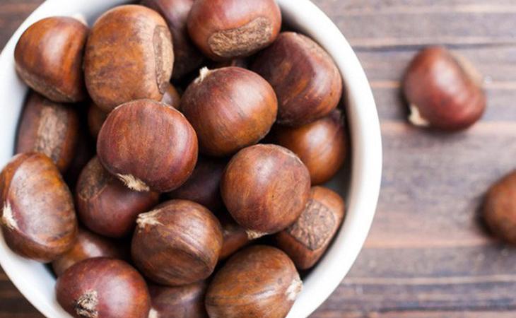 Nguyên liệu món ăn rang hạt dẻ bằng nồi chiên không dầu