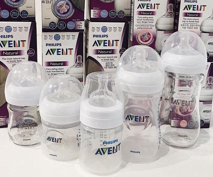 Dùng bình sữa thủy tinh thay cho bình sữa nhựa