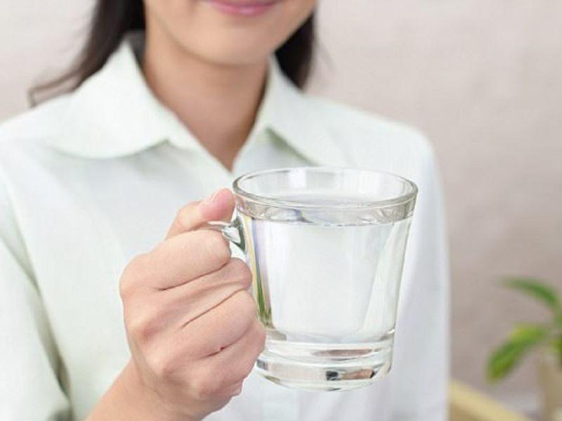 Uống nước đá gây suy thận
