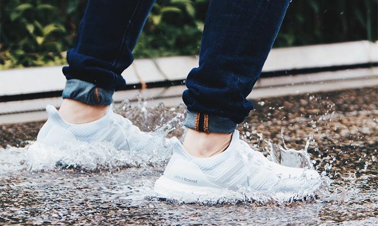 Cách bảo quản giày vừa đẹp, vừa bền trong mùa mưa