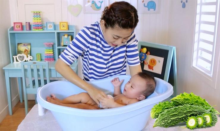 Cẩn thận khi tắm bằng mướp đắng cho trẻ có thể gây nguy hại khôn lường