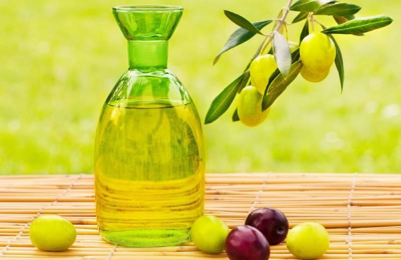 dầu ô liu một trong năm thành phần dưỡng tóc