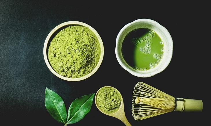 Phân biệt bột matcha và bột trà xanh, cách dùng và công dụng mỗi loại