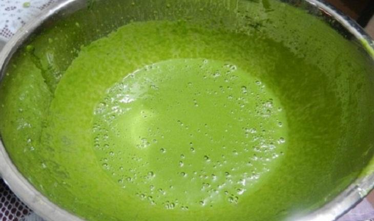 Bước 3 Lọc hỗn hợp Bột trà xanh bằng lá trà tươi