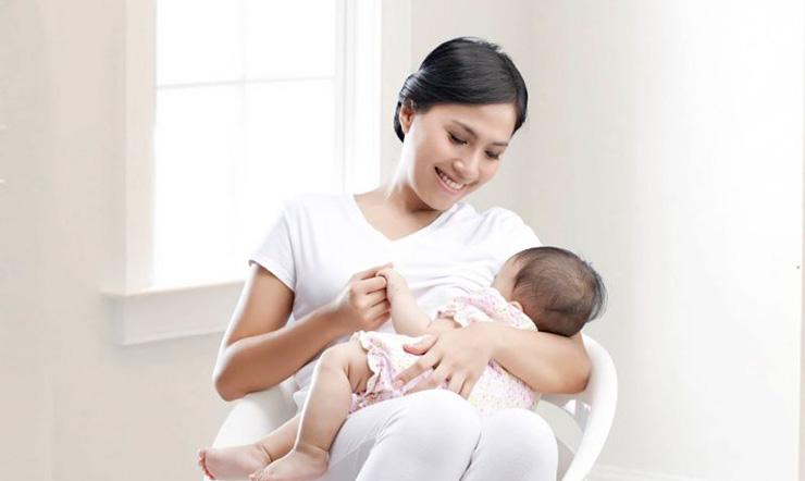 Mẹ bỉm ít sữa nên làm gì? Những việc đơn giản để sữa mẹ về dồi dào?