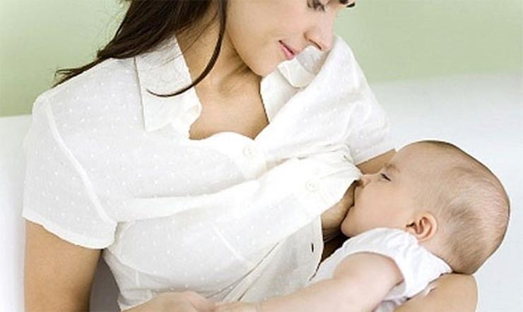 Nuôi con bằng sữa mẹ tốt cho mẹ và con như thế nào?