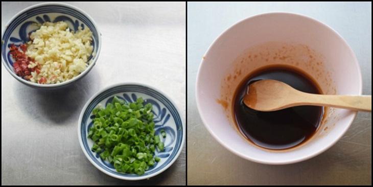 Bước 3 Trộn hỗn hợp nước sốt Nấm nướng giấy bạc hải sản
