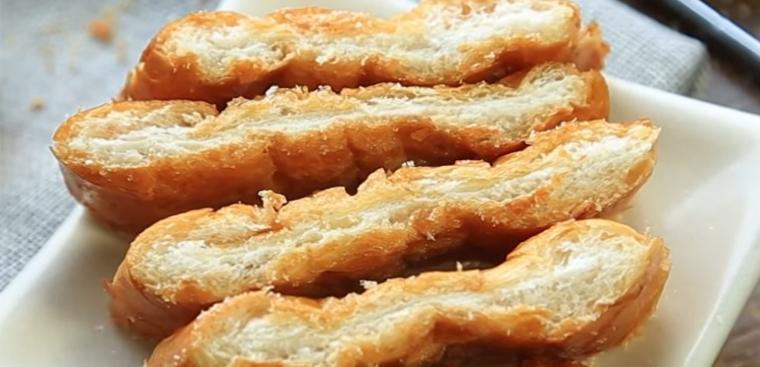 Bánh mì bơ nướng mật ong