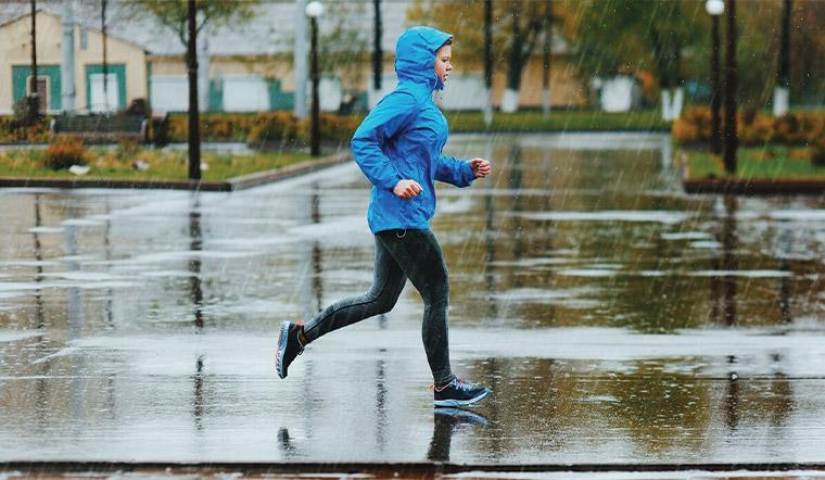 Bỏ túi những vật dụng bảo vệ giày đi mưa chẳng sợ ướt