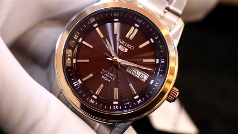 Thiết kế đồng hồ Seiko 5