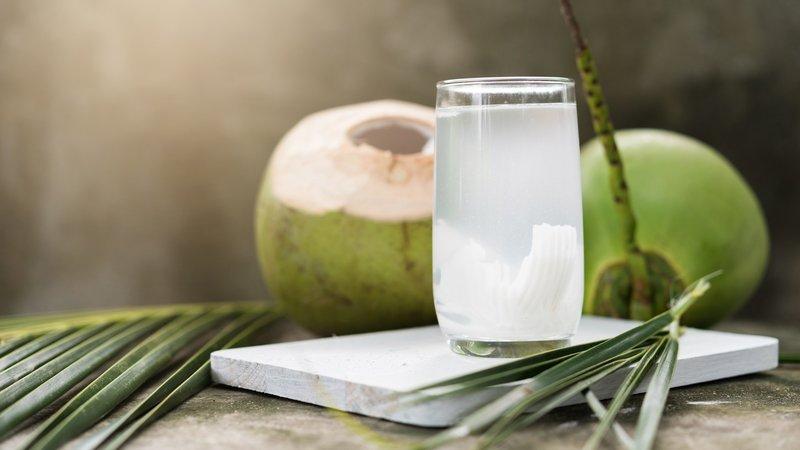 Nước dừa để được bao lâu? Cách bảo quản nước dừa đúng