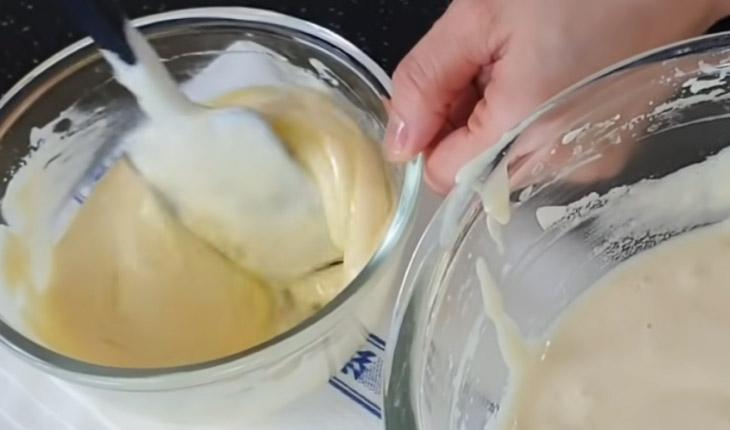 Bước 2 Trộn hỗn hợp bột Bánh kem trái cây