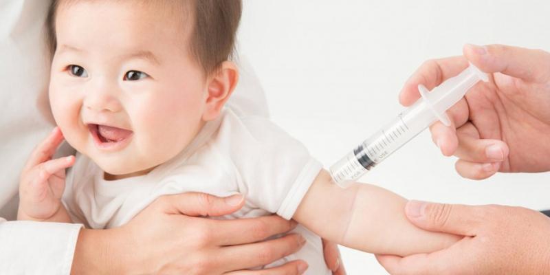 Trẻ nên tiêm vaccin phòng bệnh