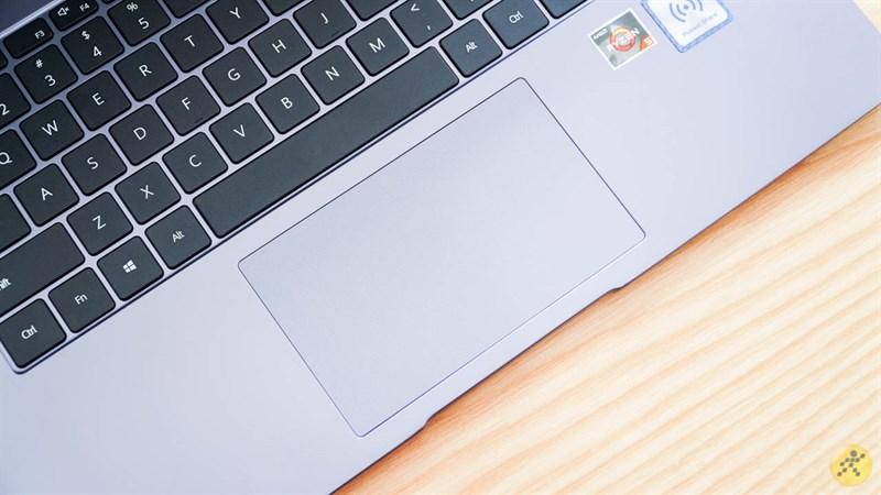 bàn di chuột của Huawei MateBook D 15