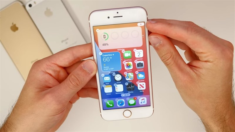 Thật bất ngờ: iPhone 6s 5 năm tuổi vẫn chạy rất mượt mà trên iOS 14, fan Android có chạnh lòng?
