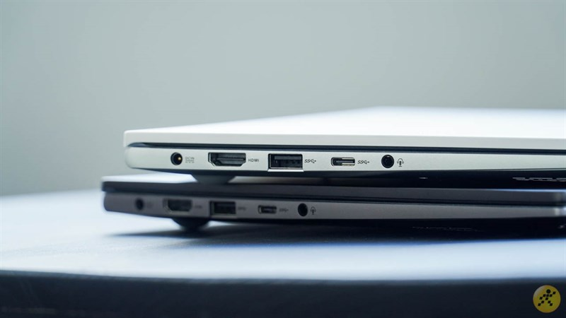 Cạnh trái của bộ đôi ASUS VivoBook S14