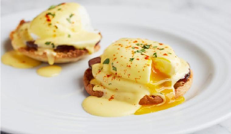 Ăn sáng đậm chất Tây với món Egg Benedict, đảm bảo ăn là ghiền