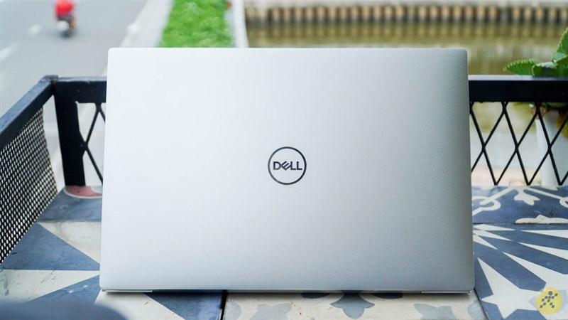 Mặt lưng của Dell XPS 13 9300