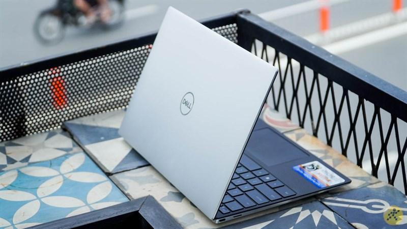 Dell XPS 13 9300 có cách phối màu rất sang
