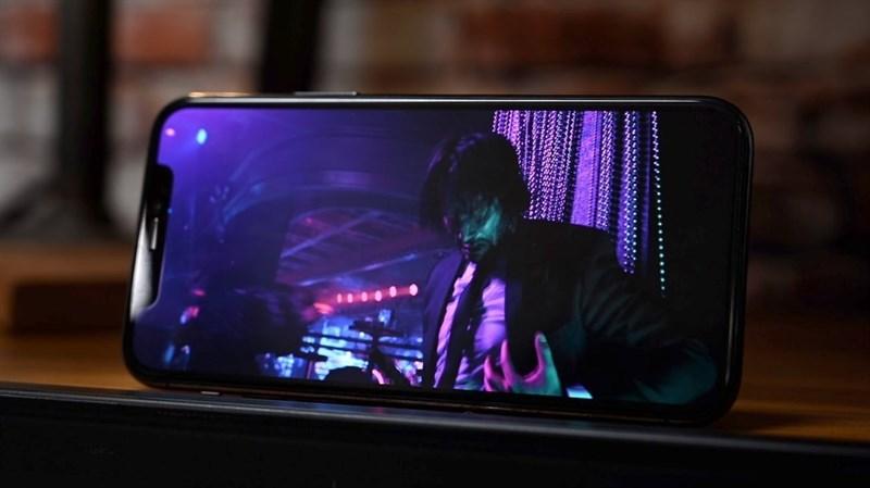 Samsung sẽ cung cấp cho Apple 60 triệu tấm nền OLED để dùng trên dòng iPhone 12 trong năm nay, đối thủ LG chỉ được 1/3