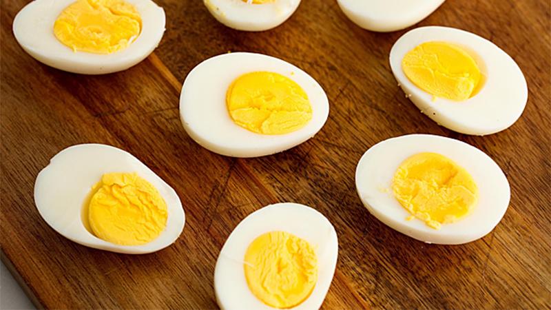 Hàm lượng dinh dưỡng có trong trứng thường và trứng vịt lộn