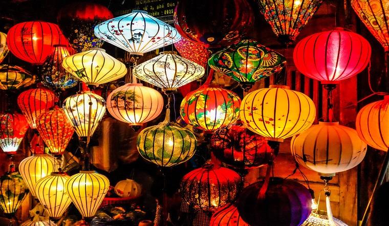 Ý nghĩa của chiếc lồng đèn trung thu truyền thống - món quà tuổi thơ của biết bao thế hệ