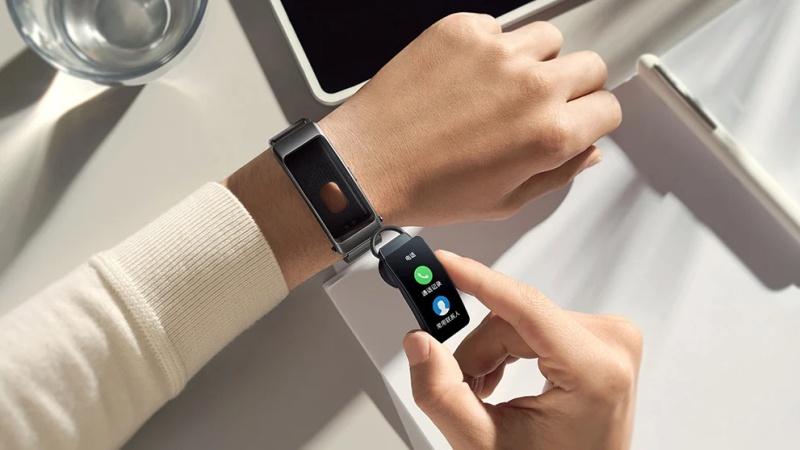 Huawei TalkBand B6 ra mắt: Vòng tay theo dõi thể dục kiêm tai nghe Bluetooth, chống nước chuẩn IP57, giá từ 3.3 triệu đồng