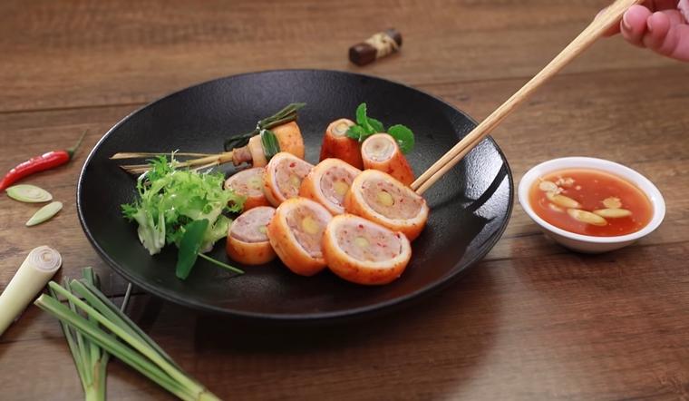 Cuối tuần vào bếp với món mực lụi nướng sả thơm lừng, mực thấm vị, giòn ngon khiến cả nhà mê tít!