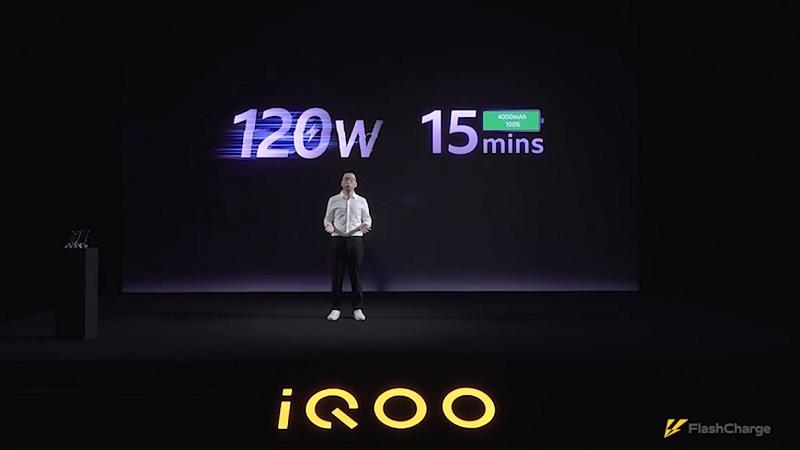 iQOO trình diễn công nghệ sạc 120 W