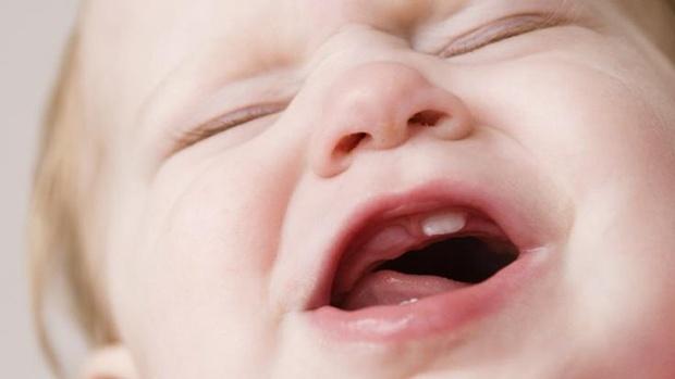Bé đến giai đoạn mọc răng